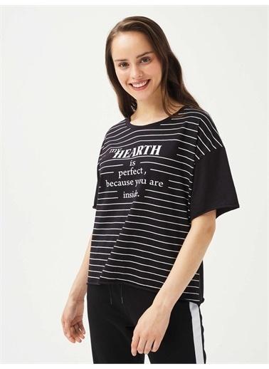 Xint XINT Yuvarlak Yaka %100 Pamuk Rahat Kesim Baskılı Tişört Siyah